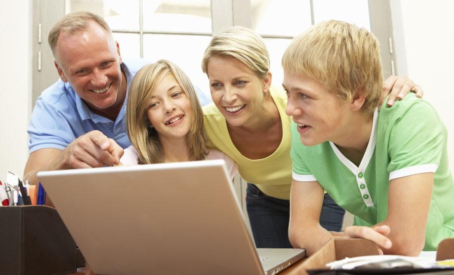 Pais e redes sociais: combinação estranha